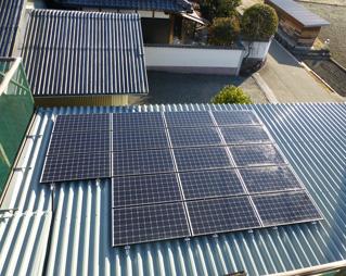 太陽光発電設備(車庫の屋根)