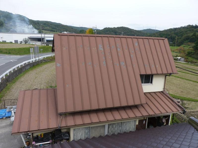 板金屋根から焼き瓦にリフォーム可能か