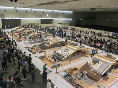 屋根瓦の甲子園大会