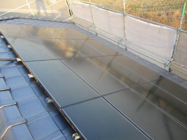 施工事例:瓦葺き替え&太陽光発電設置変え工事&波板工事