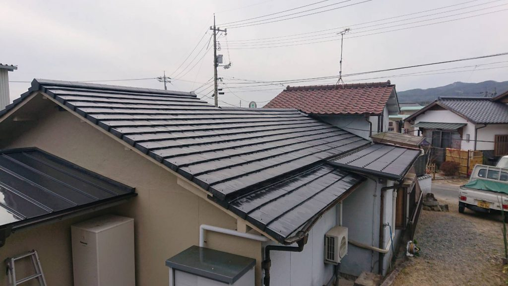 施工事例:セメント瓦→陶器瓦 葺き替え工事