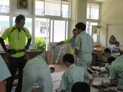 水島工業高校 かわら葺き体験