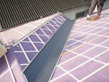 おちゃむの『よろこびの庭』-太陽光設置前 カラーステンレス納め