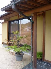 おちゃむの『よろこびの庭』-銅板 アンモニア被害